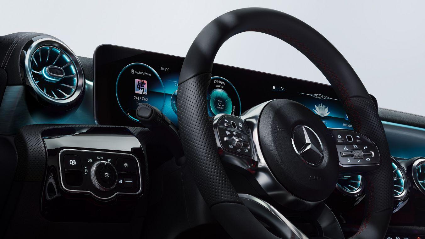 Mercedes_ClasseA_interni.jpeg