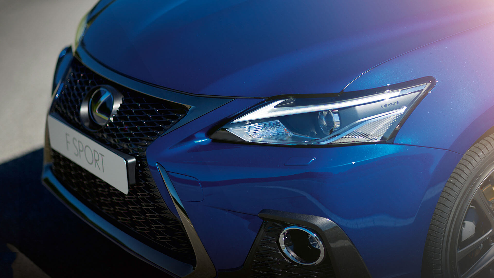 Lexus_CT_sport.jpg