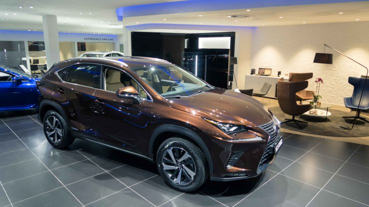Showroom Lexus NX
